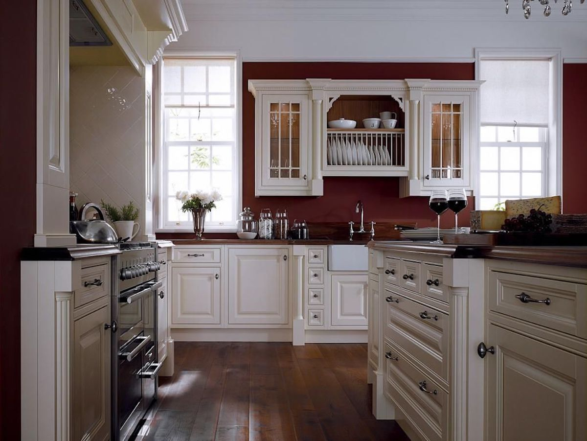 cucina-pareti-color-bordeaux-10