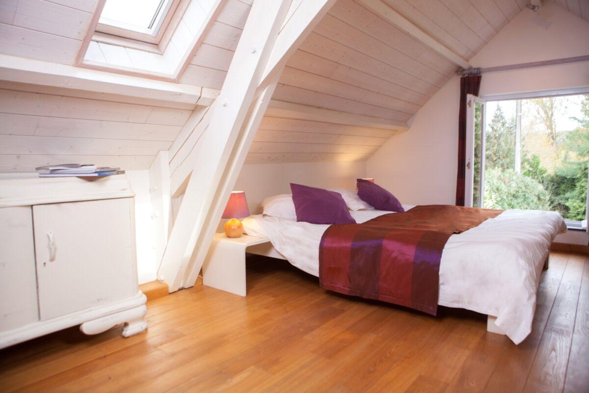 camera-da-letto-per-mansarda