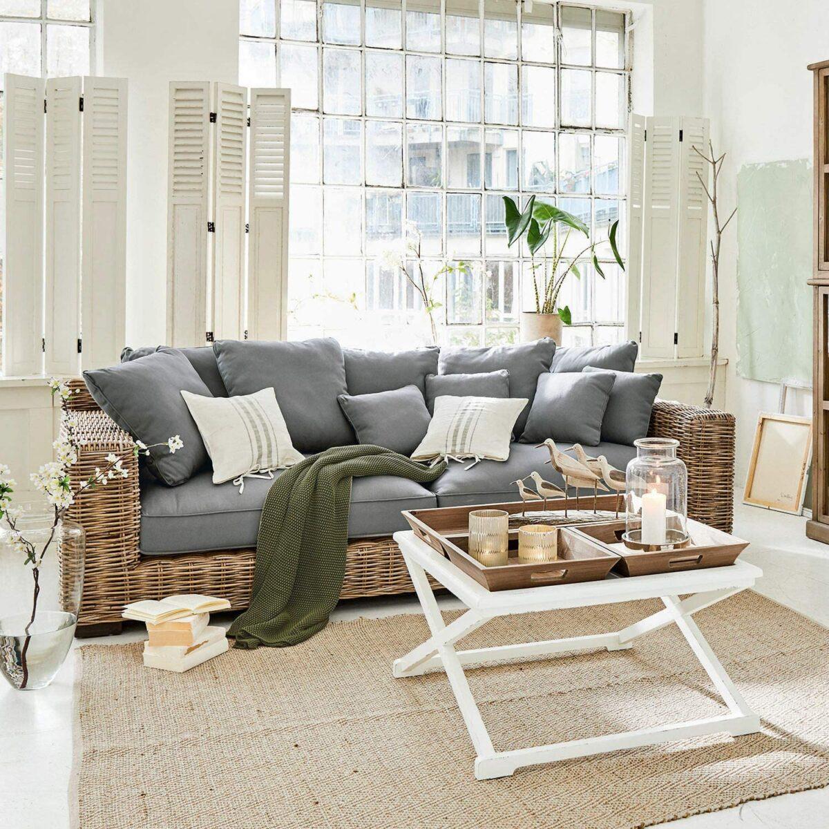 divano-provenzale-grigio-pietra