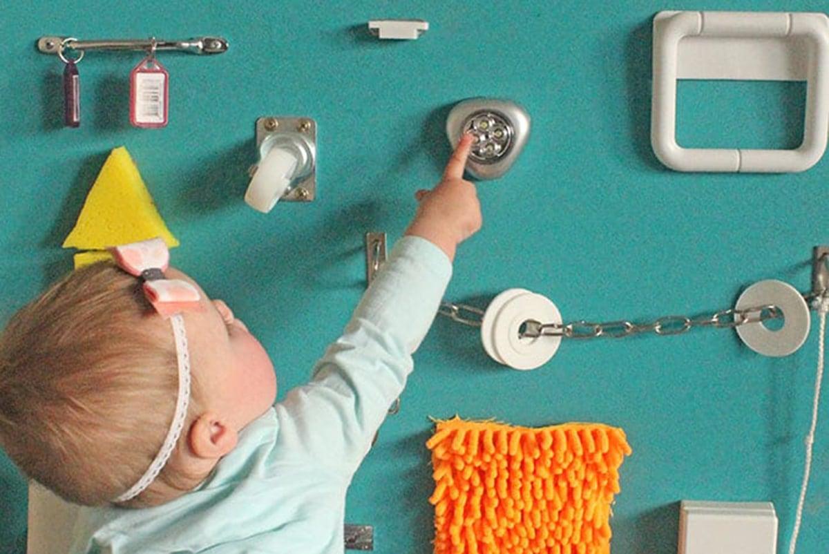 Pannello sensoriale Montessori: consigli per realizzarlo da soli