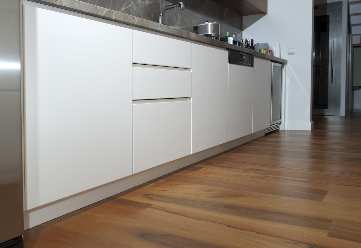 pavimento-laminato-cucina-teamclio-17