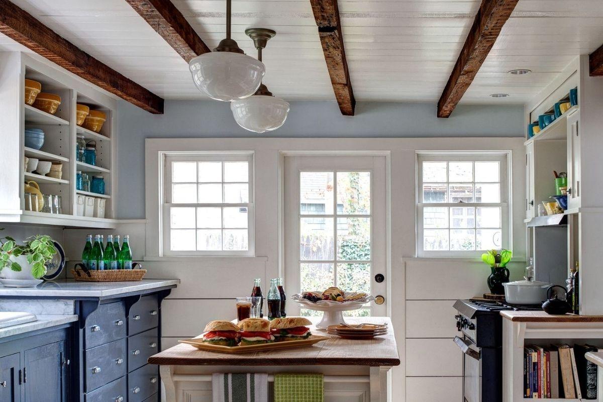 Travi a vista idee per la cucina: 5 spunti affascinanti da copiare