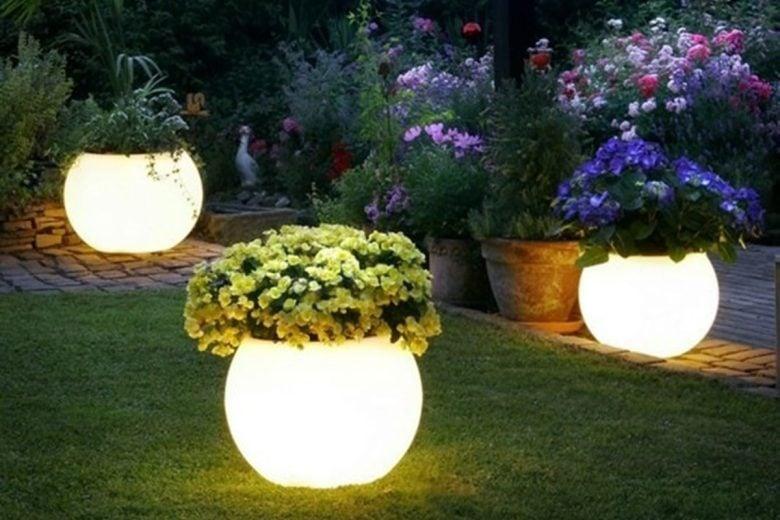 vasi-luminosi-led-per-esterno (7)