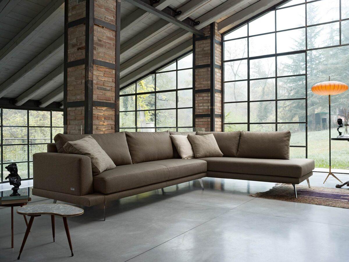 10-cose-che-non-possono-mancare-in-un-soggiorno-moderno