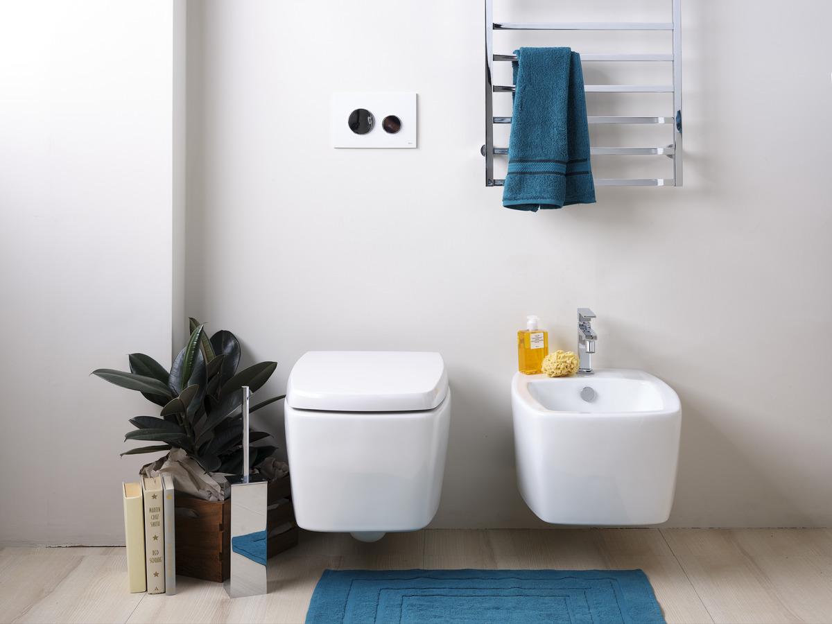 bagno-piccolo-moderno-sanitari-sospesi