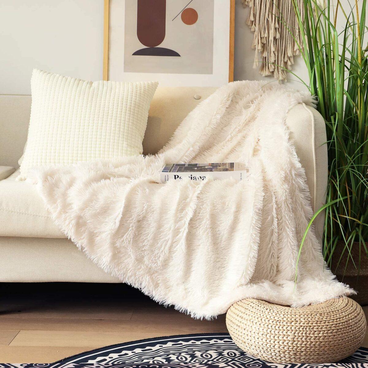 Come coprire un divano rovinato