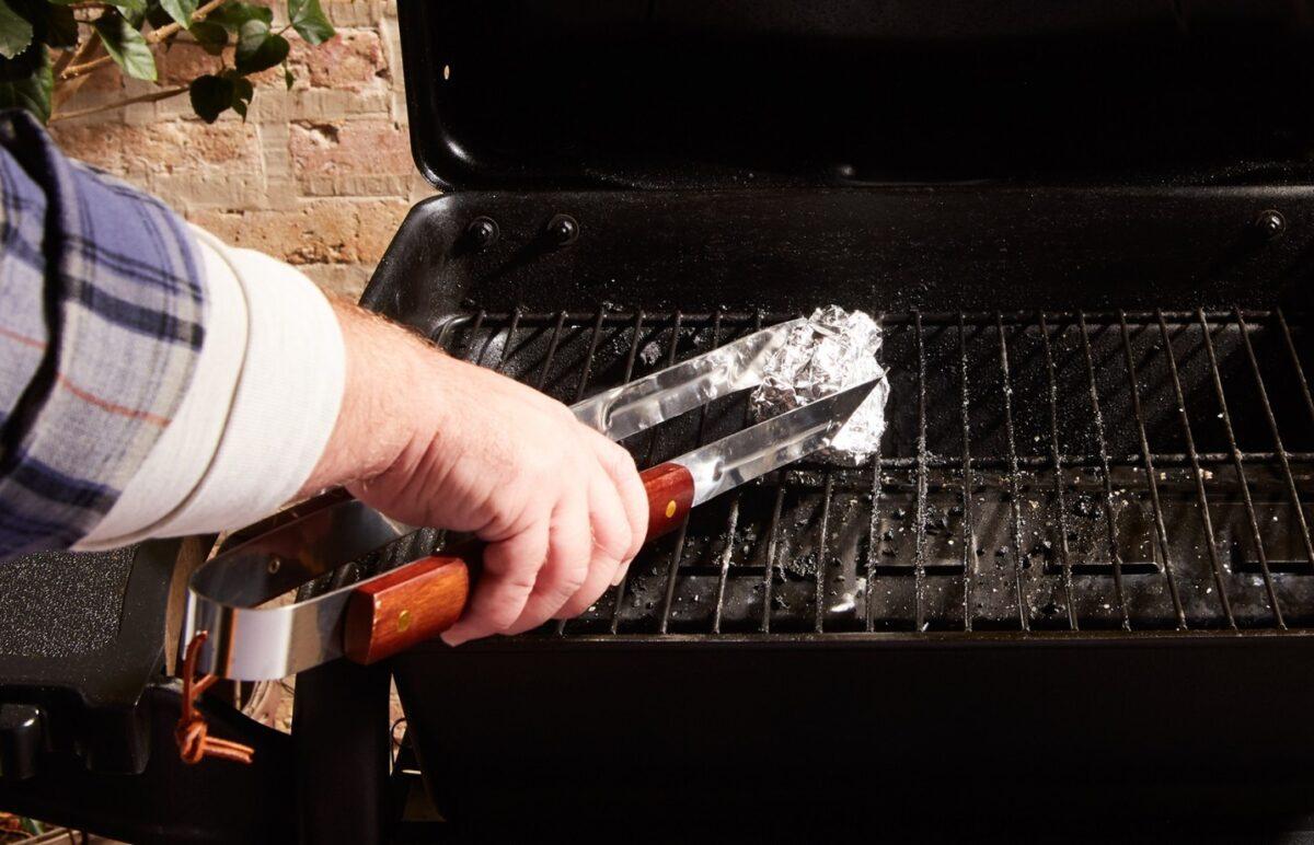 come-pulire-il-barbecue-in-maniera-precisa-1