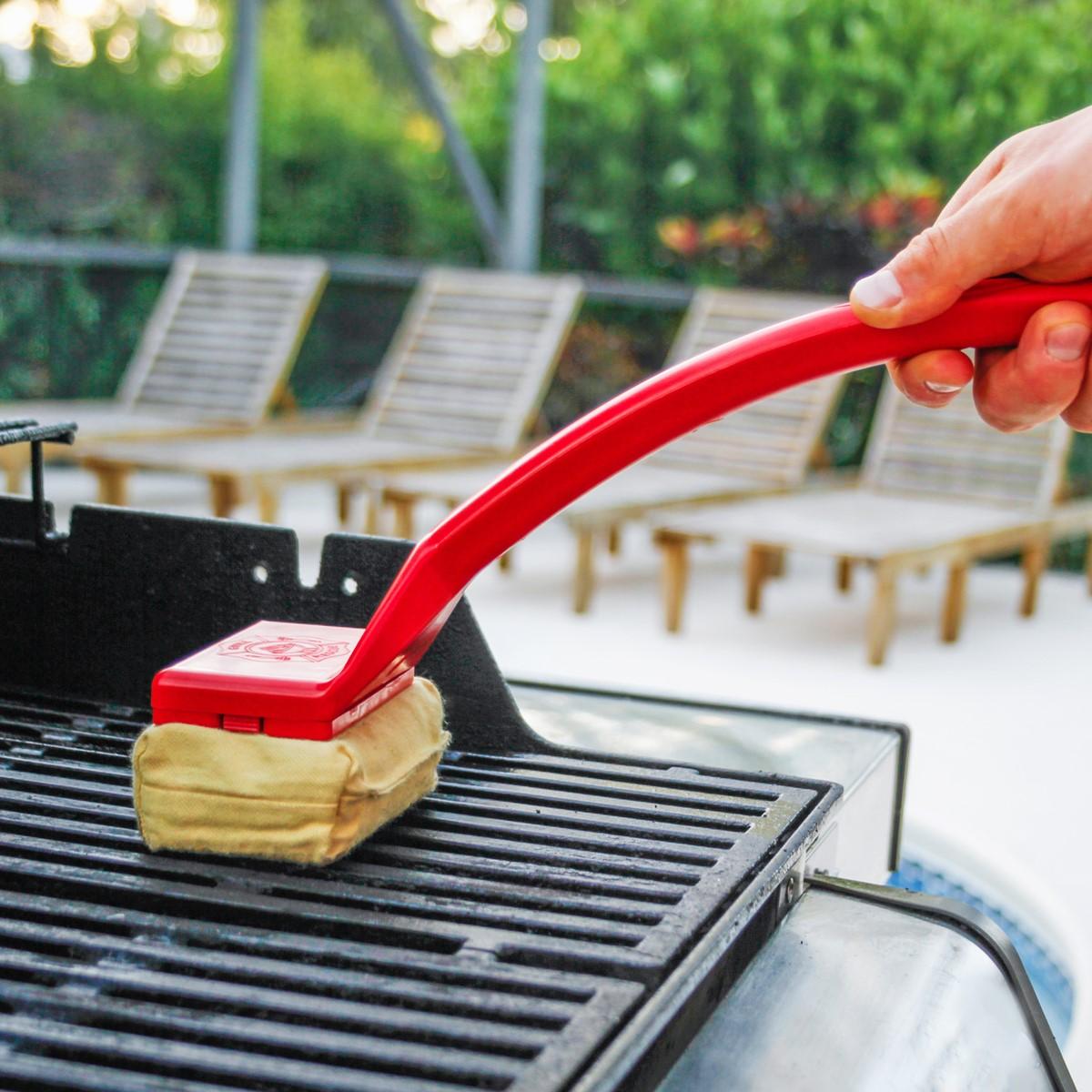 come-pulire-il-barbecue-in-maniera-precisa-11