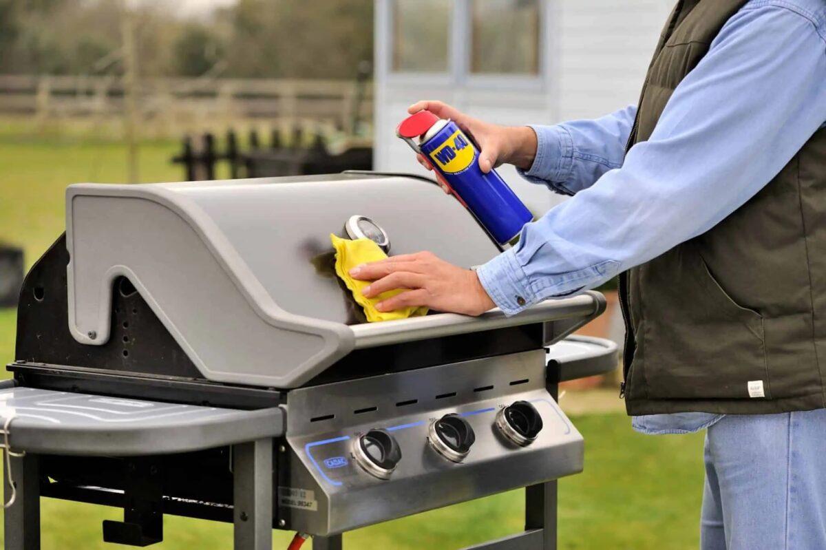 come-pulire-il-barbecue-in-maniera-precisa-7