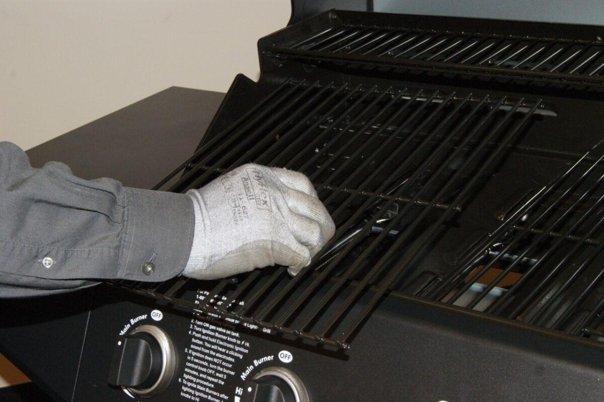 come-pulire-il-barbecue-in-maniera-precisa-9