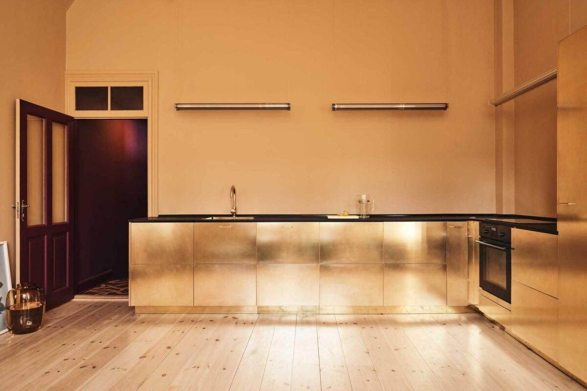Cucina pareti color oro: fantastiche idee di abbinamento