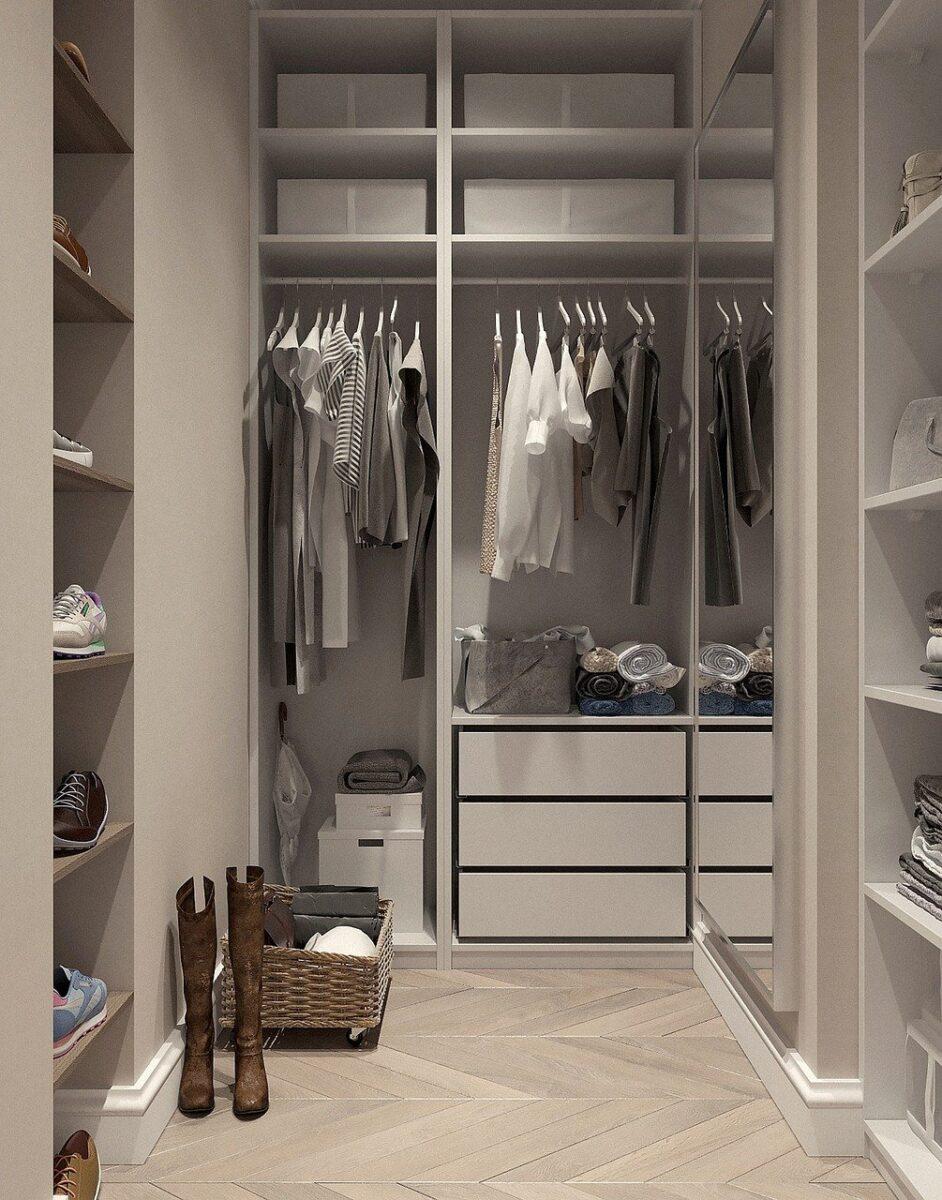 Dressing, Room