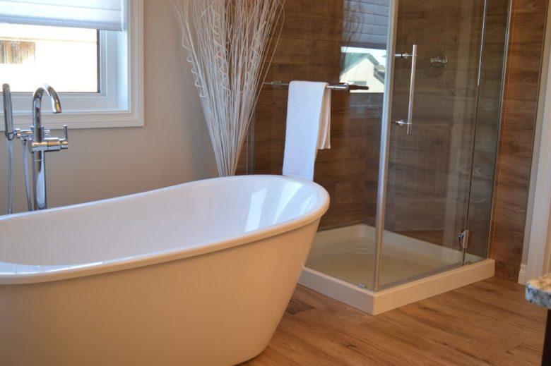 Shower, Room