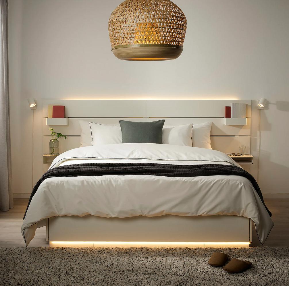 camera-da-letto-moderna-illuminazione-27
