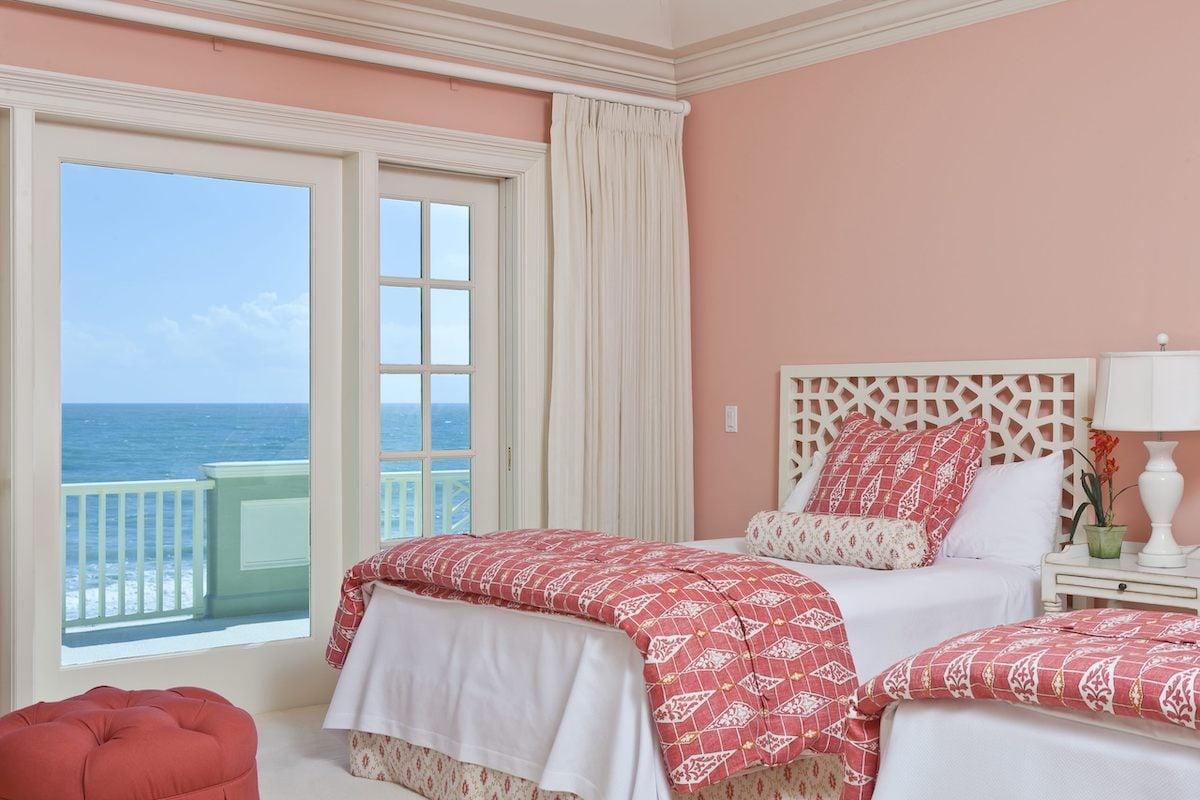 camera-da-letto-pareti-color-corallo-15