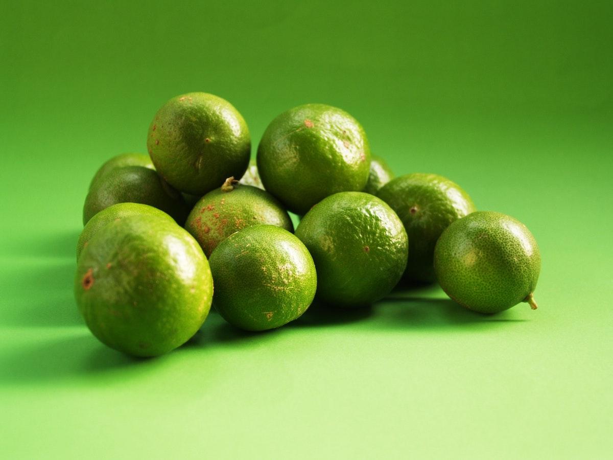 camera-da-letto-pareti-verde-lime-16