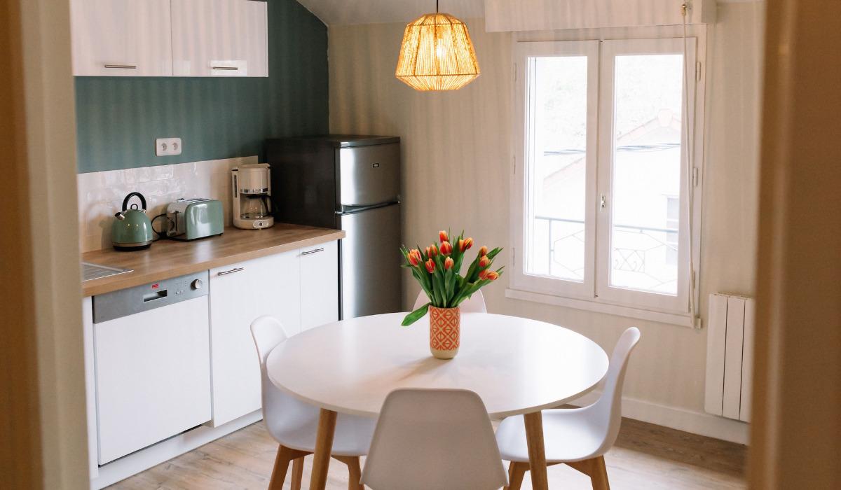 come-disporre-i-mobili-in-una-cucina-piccola-2