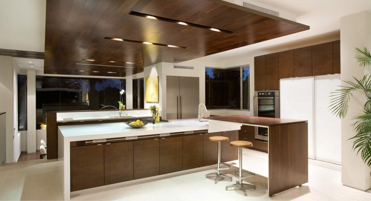 Cucina pareti color marrone