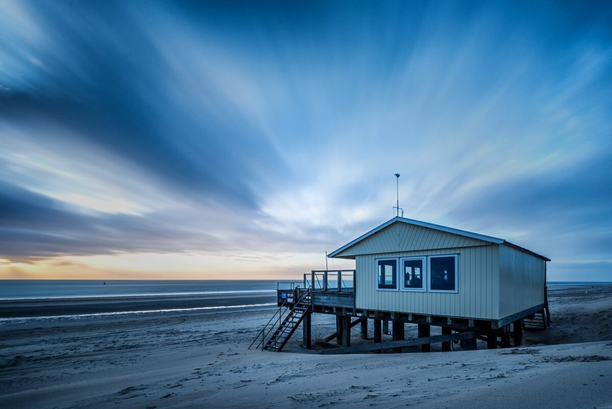 House, Sea