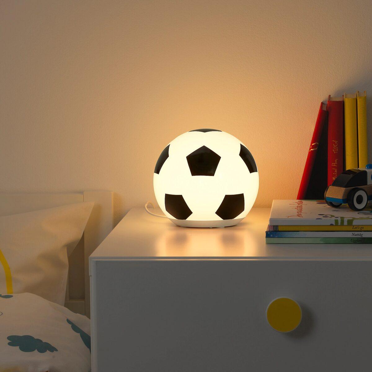 ikea-aengarna-lampada-da-tavolo-a-led-pallone