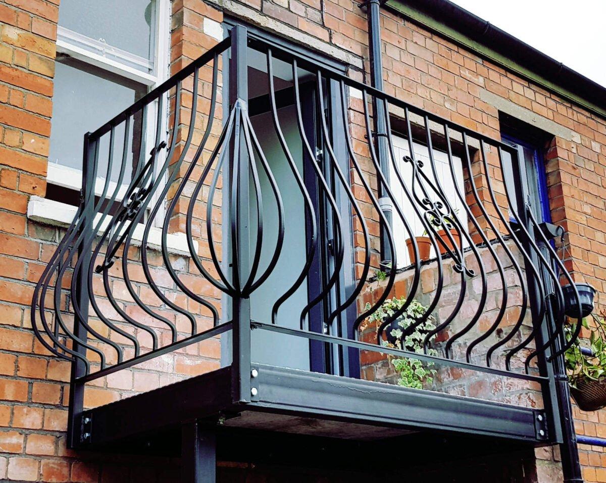 come-fare-la-manutenzione-perfetta-della-ringhiera-del-balcone-7