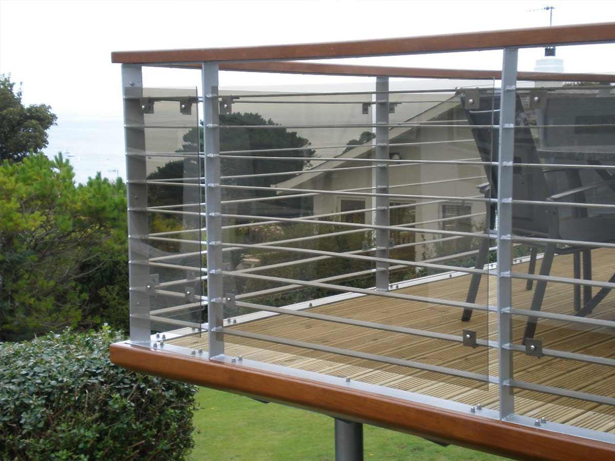 come-fare-la-manutenzione-perfetta-della-ringhiera-del-balcone-8