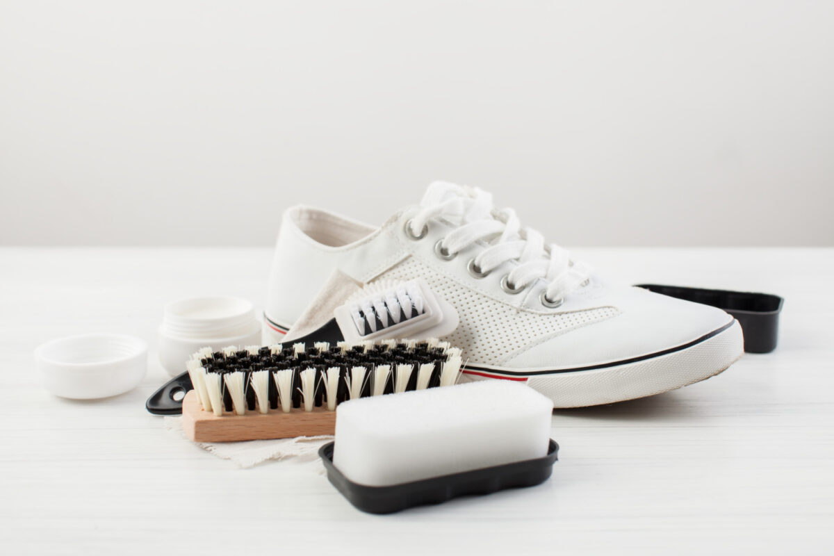 Come pulire le sneakers bianche senza rovinarle