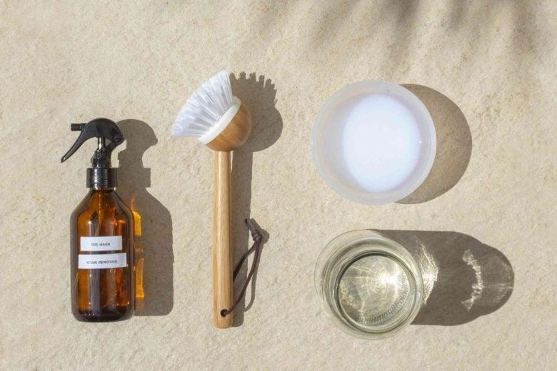 come-togliere-macchie-crema-solare-da-tessuti (3)