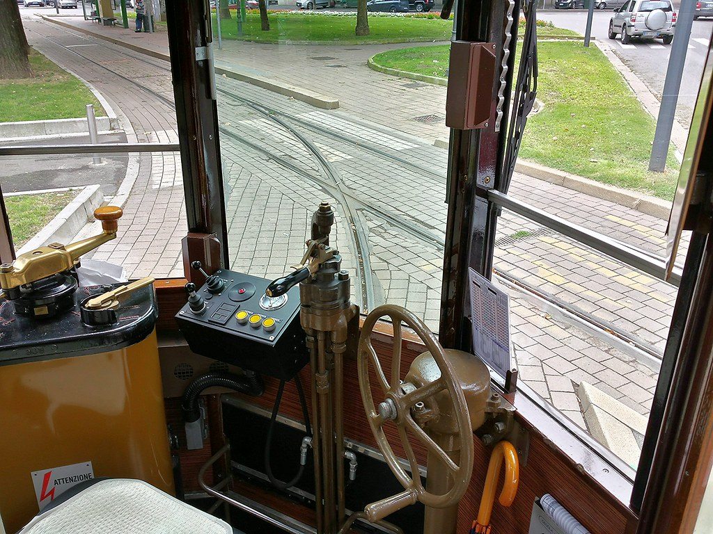 lapitec-tram-milano-interni