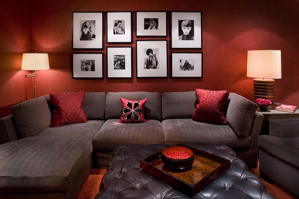 pareti-color-vinaccia-soggiorno-10