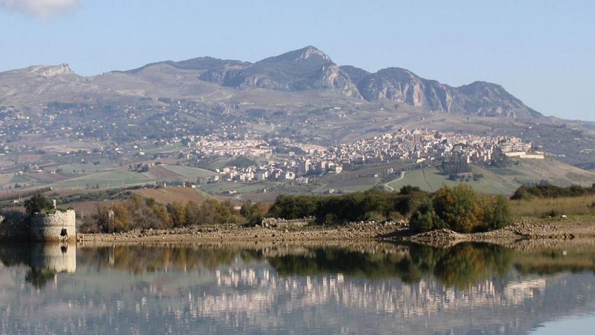 Case a 2 euro: Sambuca di Sicilia e le super occasioni del mese