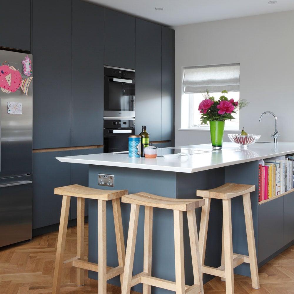 Cucina-colore-pareti-blu-navy-5