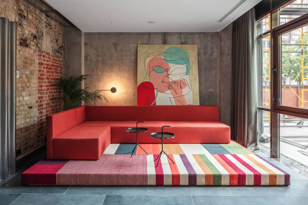 Arredare casa con il rosso: 5 idee per interni di carattere