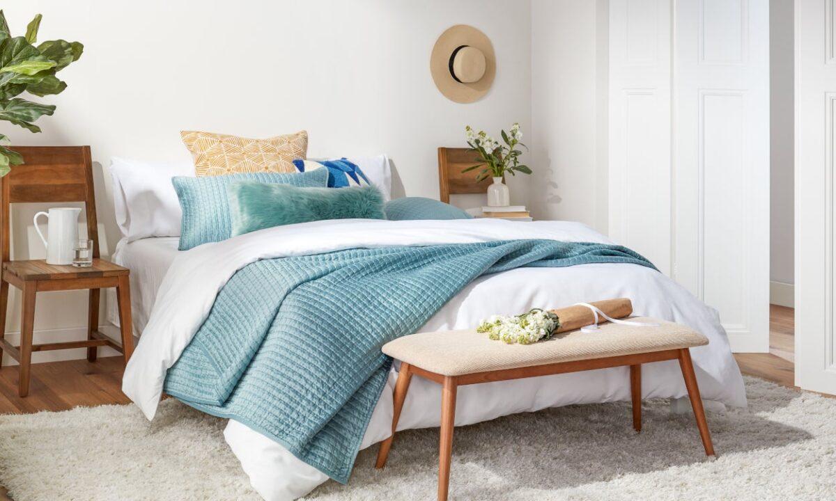 5 modi per rinfrescare la camera da letto ad Agosto