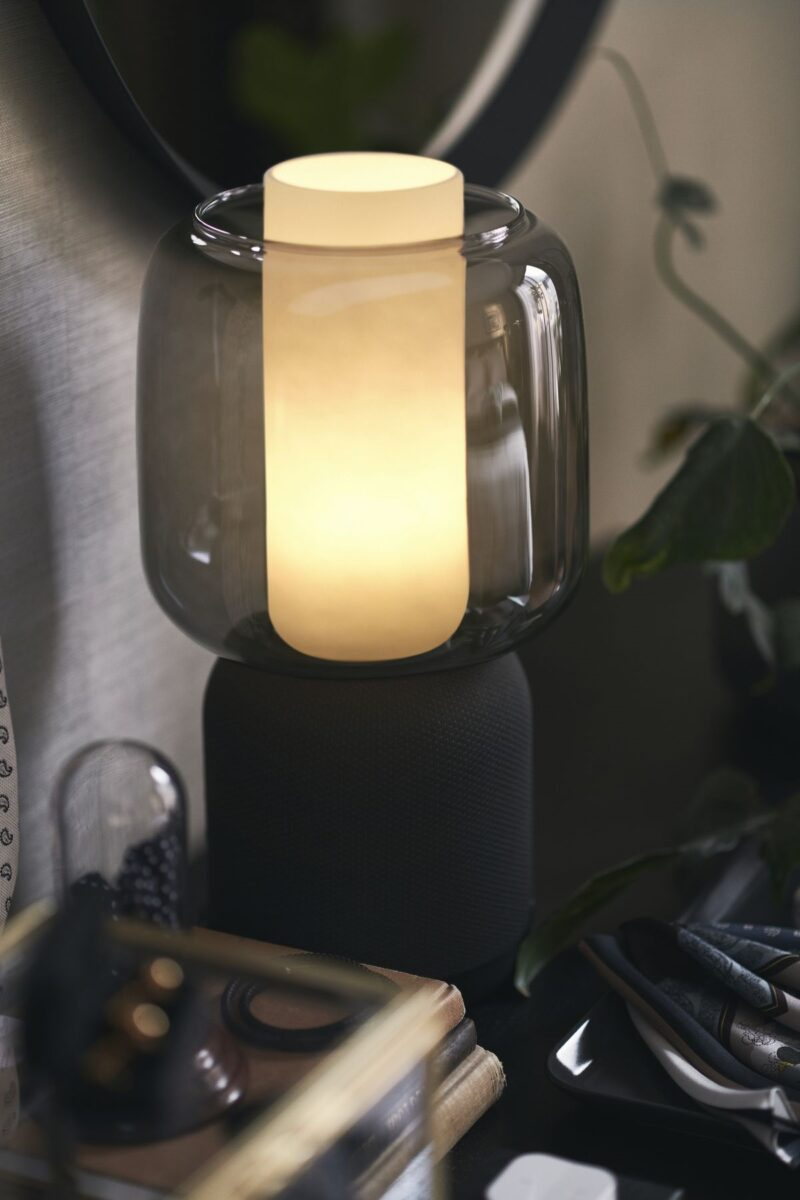 ikea-Symfonisk-lampada-accesa